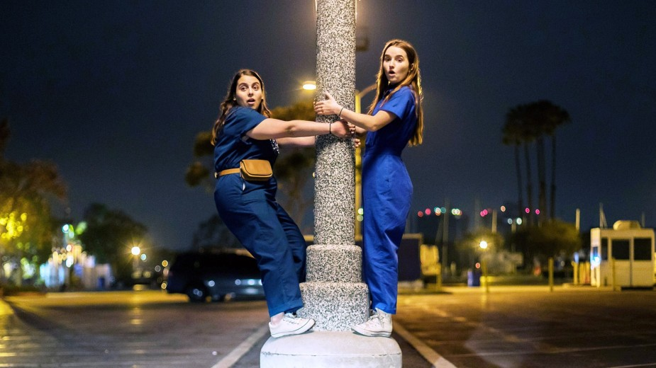 'Booksmart'-Is-the-Movie-You-Needed-gq-1 (2)